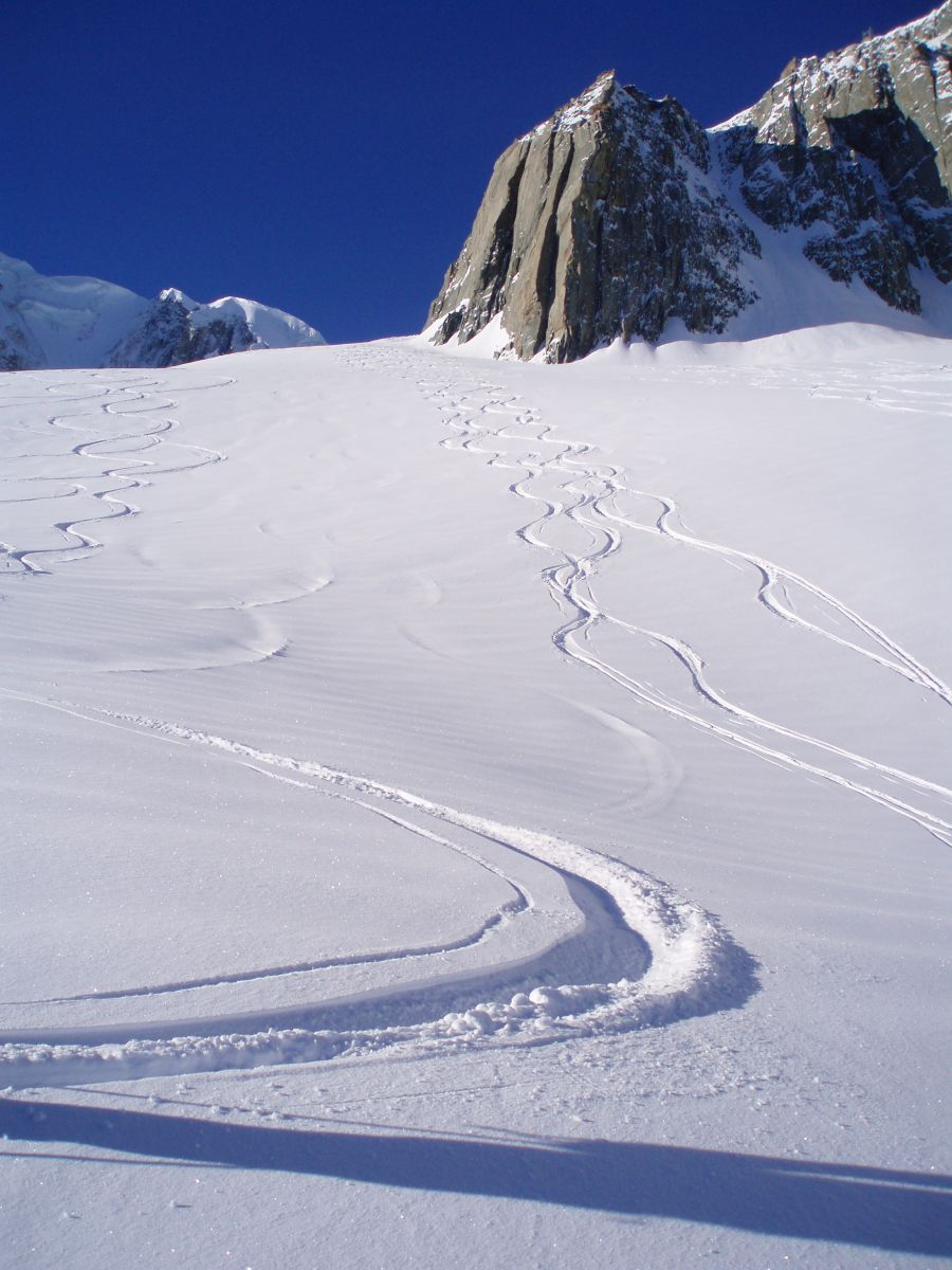 Off piste and free ride in chamonixx valley and mont blanc for Piste de ski interieur